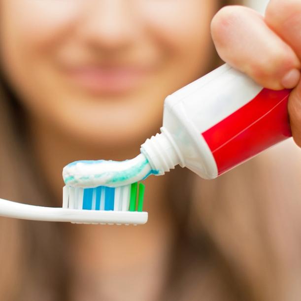 Escovar os Dentes Emagrece?!